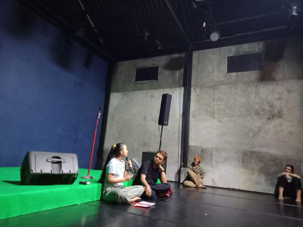 "IMG20190117213416 | ""TubuhDANG TubuhDUT"" karya Ayu Permata Sari: Penonton Dangdut Laki-Laki di Tubuh Penari Perempuan"
