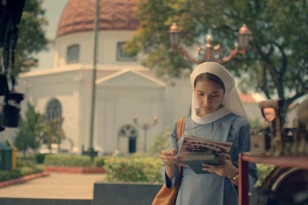 "ave maryam photo 1 crop 600x400 | Film ""Ave Maryam"": Dinamika Antara Cinta Surgawi Atau Cinta Duniawi yang Dibalut dengan Keindahan Frame Kota Tua Semarang yang Mempesona"